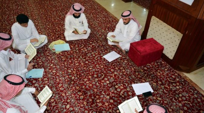 Супруги обучают Благородному Корану 20 глухонемых юношей и девушек