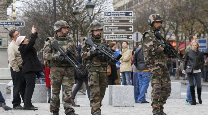 Париж после террористических атак