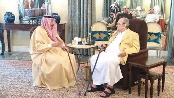 Король Салман посетил своего брата Талала в его доме
