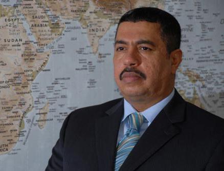 Его Высочество заместитель наследного принца принял вице-президента и премьер министра Йемена, обсудив с ним обстановку в Йемене
