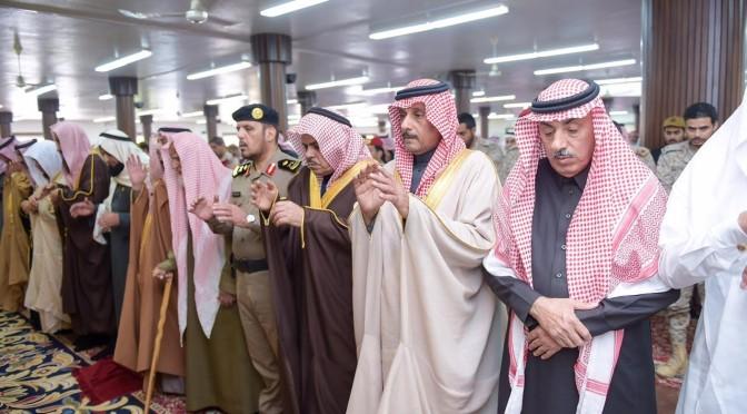 Глава администрации провинции Касым исполнил похоронную молитву по павшему мученником при защите Отечества лейтенанту  аль-Хушани
