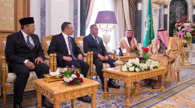Служитель Двух Святынь принял министров обороны Индонезии и Малайзии, а также заместителя министра обороны султаната Бруней