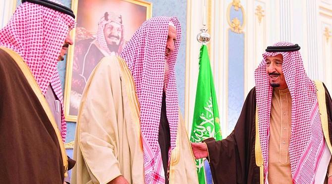 Служитель Двух Святынь принял Их Королевских Высочеств принцев, Главного муфтия Королевства, Их Честь учёных, а также группу подданных