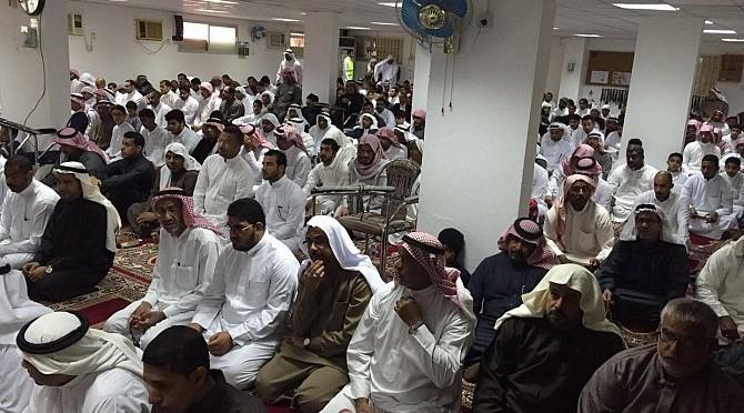 Возвращение проведения молитвы в мечети Рида в Ахсе в первую пятницу после террористической атаки