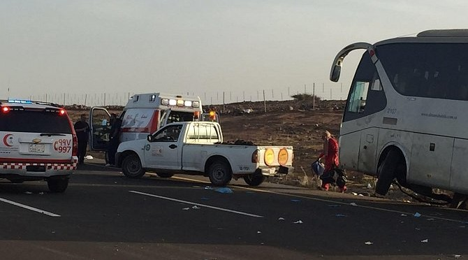 """Погибли 19 человек и 21 человек получили травмы в следствии опрокидывания автобуса с паломниками, совершающими Умру, на шоссе """"Мекка-Медина"""""""