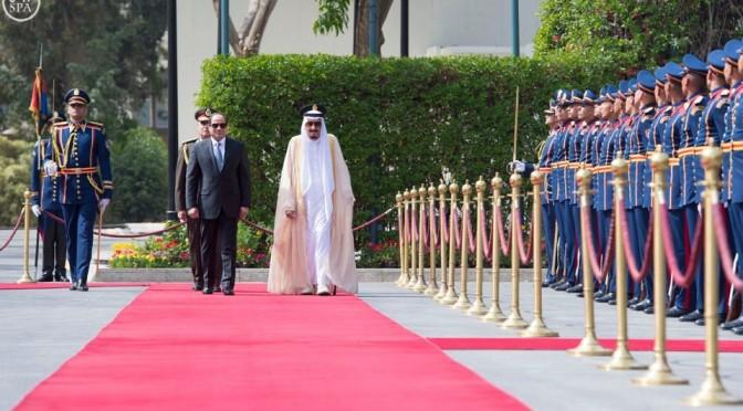 Король Салман прибыл в Каир
