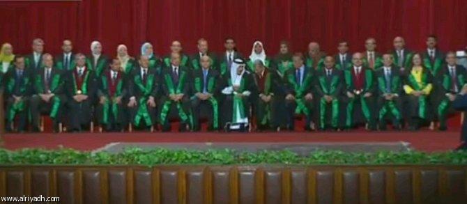 Служитель Двух Святынь получил степень почётного доктора Университета Каира