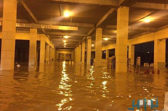 По причине дождей  преостановлены занятия в Университете им.Имама Мухаммада бин Сауда