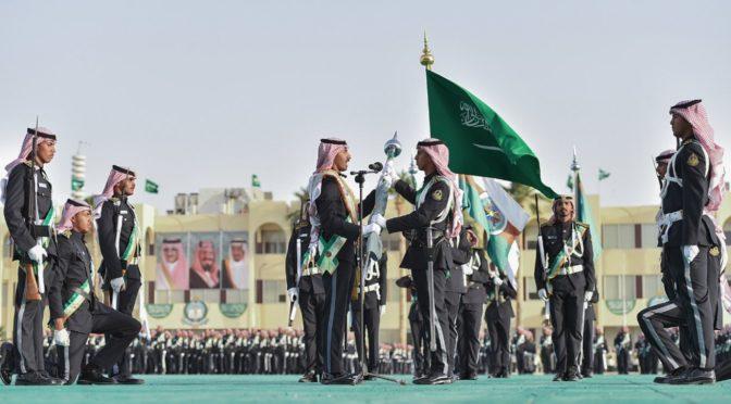 Министр Национальной гвардии посетил церемонию 27-ую выпуска 32 курсантов Военного колледжа им.Короля Халида