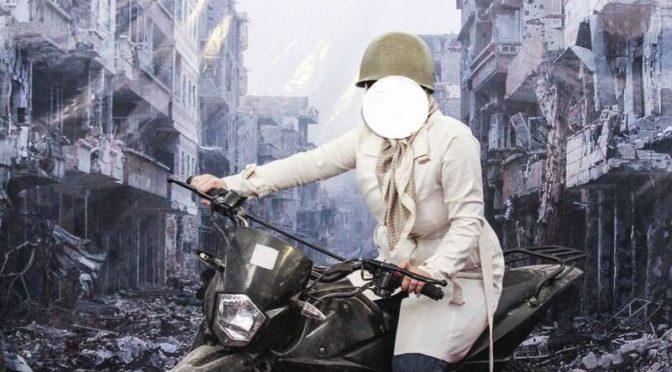 После позирования на фоне фотографии разрушений в Сирии… мир отвечает: «иранцы — не люди, они — зомби»