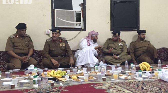 Генерал-майор аль-Мутрафи совершил совместный ифтар со своими подчинёнными в опорном пункте ГО в районе Азизия
