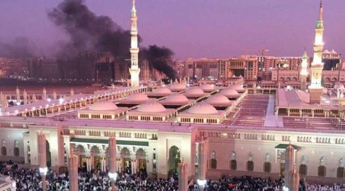Момент самоподрыва террориста поблизости от Мечети Пророка
