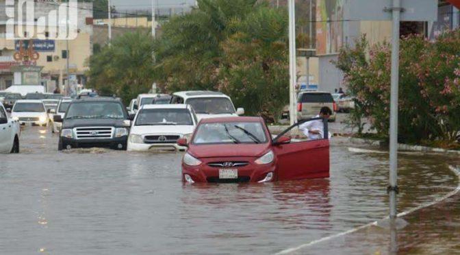 """Фотокорреспондент """"Сабк"""" запечатлел наводнение на улицах городов провинции Джазан после прошедших накануне дождей"""