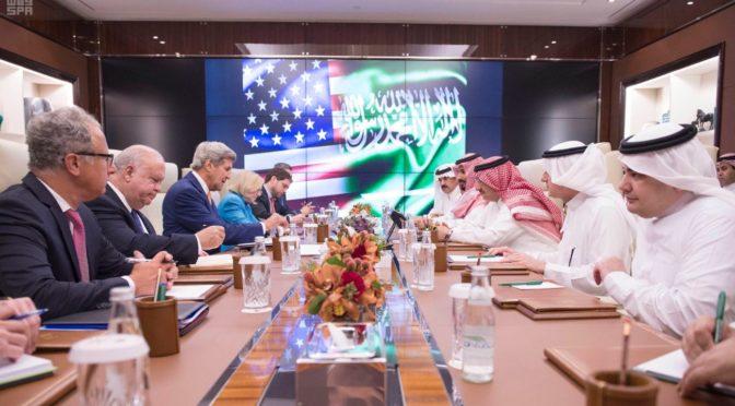 Его Высочество наследный принц и Его Высочество заместитель наследного принца провели встречу с госсекретарём США