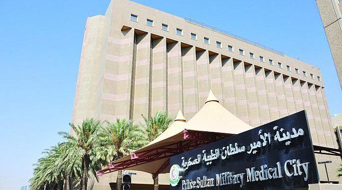 Генерал-лейтенант аль-Бунейян посетил в госпитале им.принца Султана военнослужащих Королевства, получивших ранения во время операций «Решительный шторм» и «Возвращение надежды»