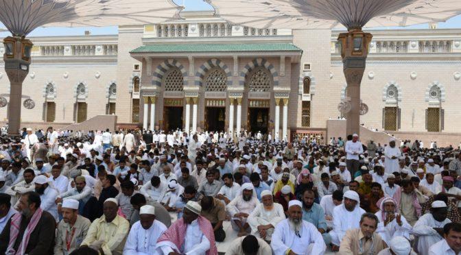 Более полумиллиона молящихся исполнили пятничную молитву в Лучезарной Медине после совершения обрядов Хаджа