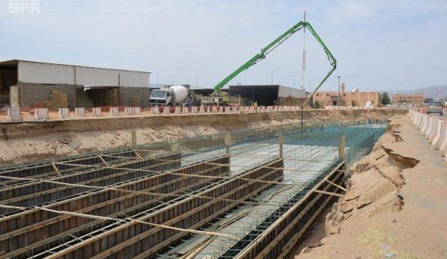 Муниципалитет Наджрана на 31% выполнил проектный объём противопаводковых заграждений на шоссе  им.принца Наифа