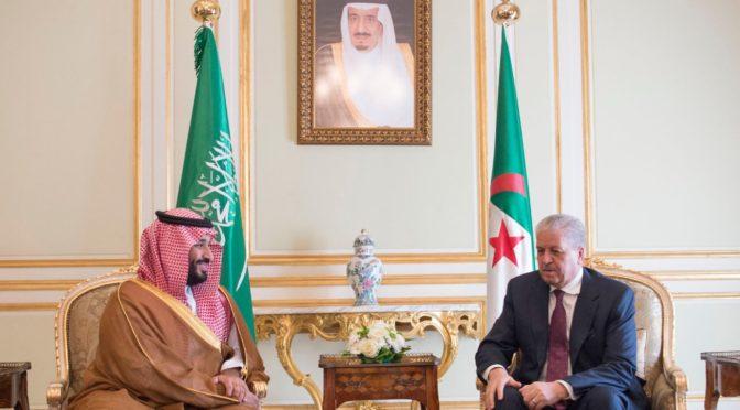 Его Высочество заместитель наследного принца встретился с премьер-министром Алжира, обсудив с ним двусторонние отношения