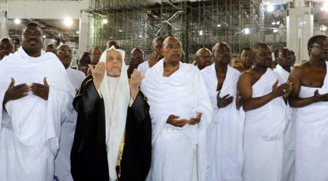 Президент республики Нигер исполнил обряды Умры