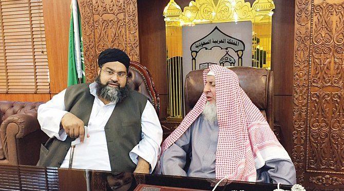 Председатель Совета учёных Пакистана посетил проект синхронного перевода в Запретной Мечети