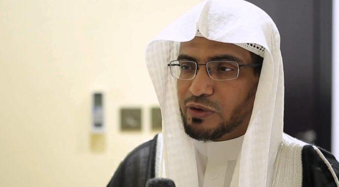 Служитель Двух Святынь совершил телефонный звонок и высказал соболезнования шейху Солиху аль-Магамси