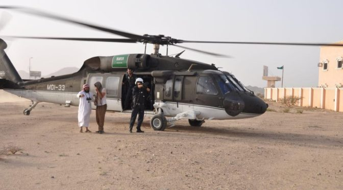 Авиация сил безопасности разыскивает и эвакуирует пропавших людей в провинции Асир