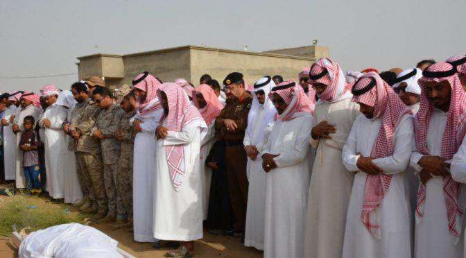 Губернатор округа Ахад Масарих и группа молящихся совершила похоронную молитву по павшему мученником срж.Дамири