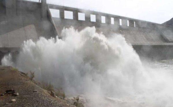 По распоряжению губернатора провинции Благородной Мекки открыты шлюзы плотины вади Хали