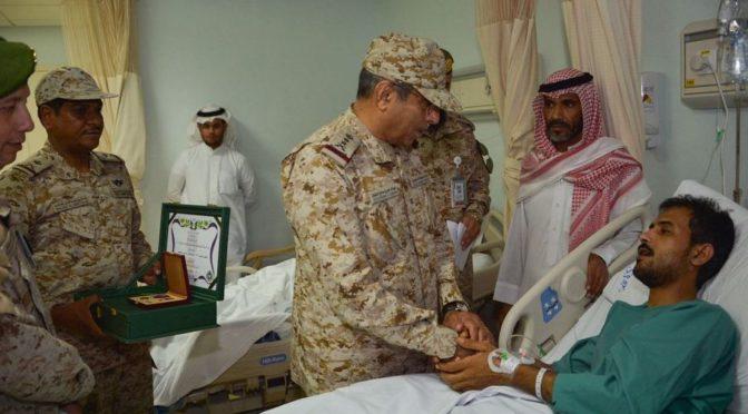 Начальник Генерального штаба посетил раненых военнослужащих в Джазане и Хамис Мушит