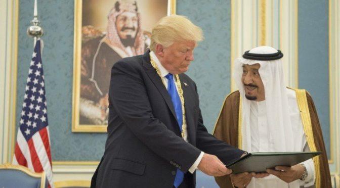 Король Салман приветствовал Д.Трампа через Twitter: «Ваш визит укрепит наше сотрудничество». Президент США: «Великолепно, что я  в Эр-Рияде».