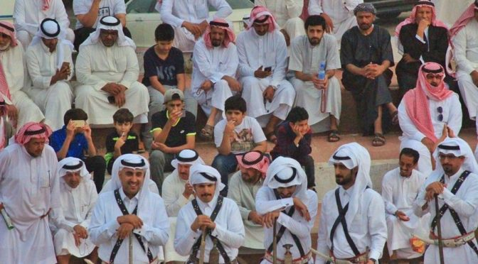 """Красочные представления """"арда"""" и """"аль-Лааб"""" приветствуют посетителей округа Намас."""