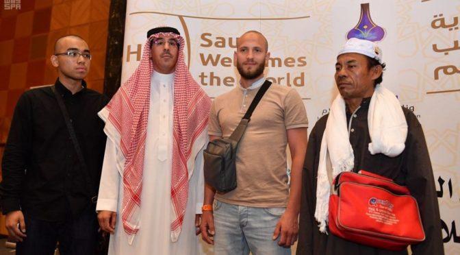 Министерство культуры и информации провело ежегодную церемонию в честь делегаций деятелей культуры и СМИ, участвующих в освещении сезона Хаджа этого года