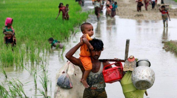 Число беженцев-мусульман рохинья в Бангладеш достигло 370 тыс.