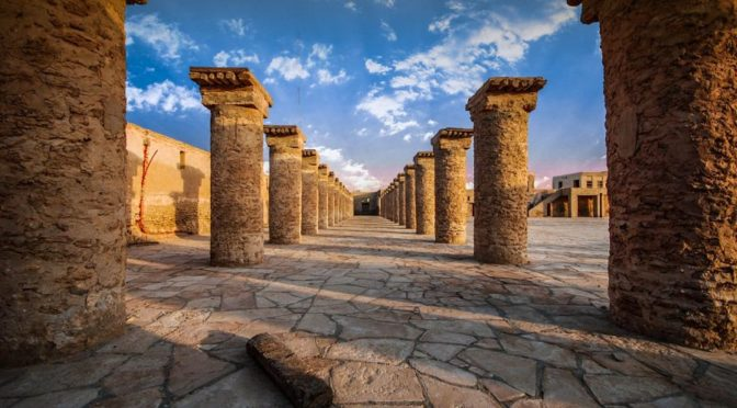 Останки морских портов на побережье Королевства являются свидетельством развития древних цивилизаций Аравийского полуострова