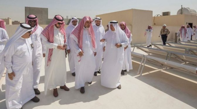 """460 солнечных батарей для выработки электроэнергии  покрыли крышу мечети """"Хикма"""" в районе Хатин в г.Эр-Рияд"""