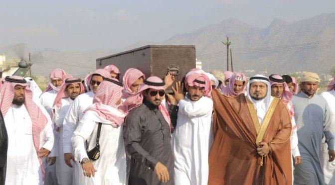 Жители округа Барик скорбят по павшему мученником капралу аль-Барики