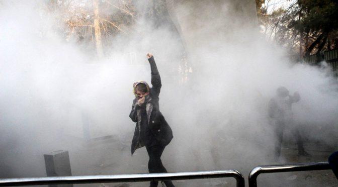 Иранское восстание продолжается: число арестованных опровергает заверения о спокойствии