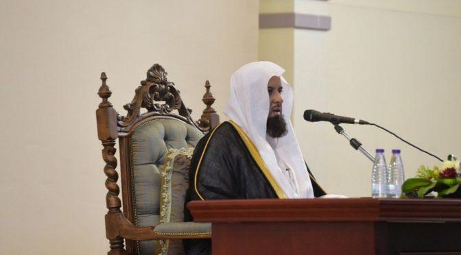 Шейх ас-Санад инспектировал Комиссию по поощрению добродетели округа Шарура и посетил военное командование округа