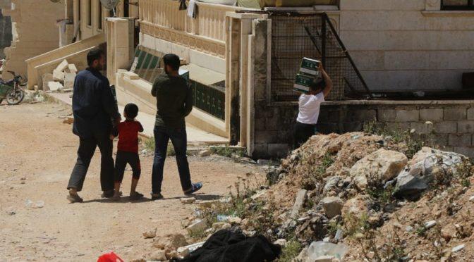 Центр гуманитарной помощи им.Короля Салмана раздаёт наборы для ифтара постящихся в северных предместьях Алеппо