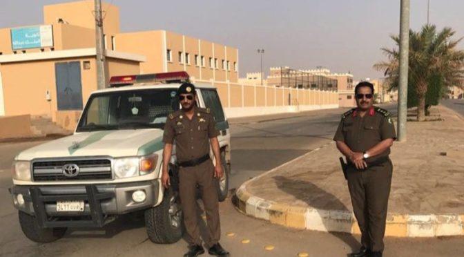 Патрули у школ для девочек: так дорожная и патрульная полиция Шакры следит за поведением молодёжи