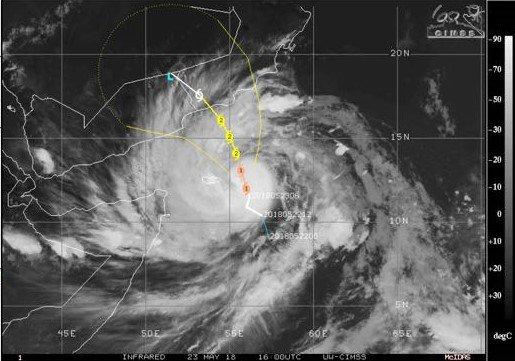 Ураган «Мекуну» ударил по побережью Омана, власти объявили о гибели девочки