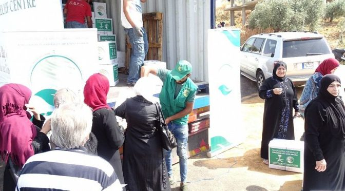 Центр гуманитарной помощи им.Короля Салмана продолжает распределение корзин Рамадана среди сирийских беженцев в Джабал Лубнан