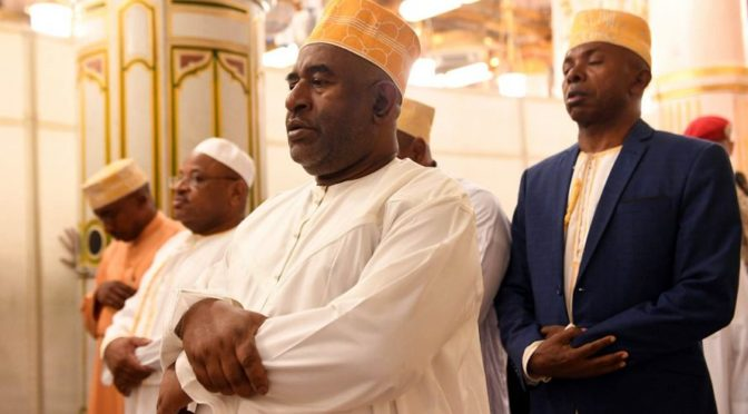 Президент республики Коморские острова посетил Мечеть Пророка