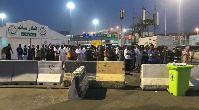 30 саудийских юношей накормили ифтаром на сегодняшний день 18 тыс.постящихся