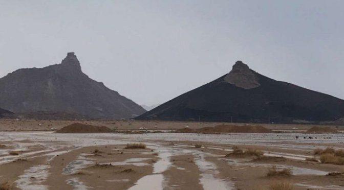 Дожди над административным центром Хаджмия в округе Амлах (провинция Табук)