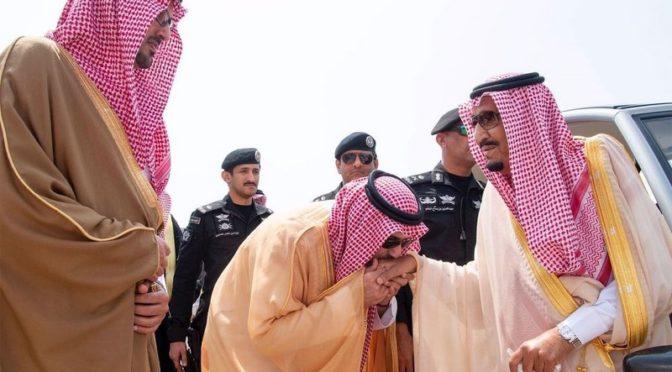 Служитель Двух Святынь прибыл в Эр-Рияд из Лучезарной Медины