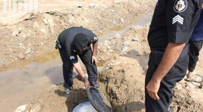 Патрули сил безопасности округа Мухайял конфисковали 4900л самогона в вади аль-Мугайлат
