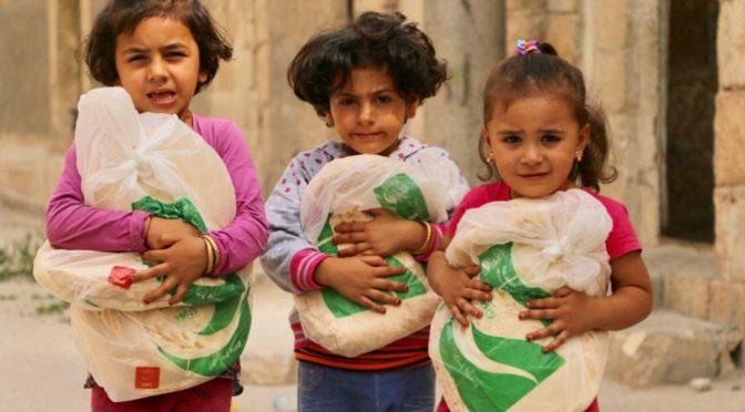 Центр гуманитарной помощи  им.Короля Салмана ежедневно раздаёт 52 тыс.единиц хлеба семьям сирот в сельской местности на севере Сирии
