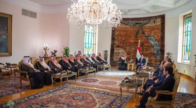Наследный принц и президент Египта во дворце Федерации в Каире