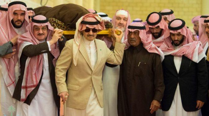 Служитель Двух Святынь совершил похоронную молитву по принцу Талалу бин Абдулазизу